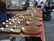 Le marché d'Arles, marcher lentement pour sentir toutes ces odeurs