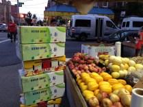 En la Octava Avenida se encuentran de todo tipo de productos chinos.