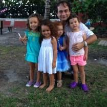 Papi y las niñas.