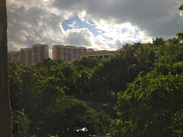 Vista desde mi ventana al Ocean Club, lugar donde la Primera Dama tiene su departamento.