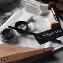 Una vista del maquillaje que utilizó con las distintas blogueras e influencers que acudimos a la cita.