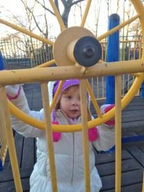 Cristina en el playground de Sunset Park.