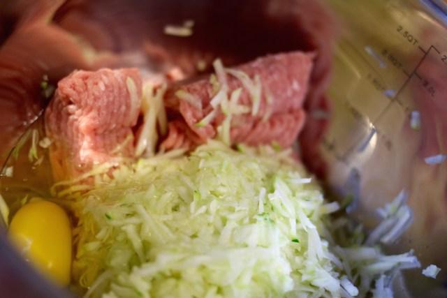 Albóndigas de pavo rellenas de queso con Ragú