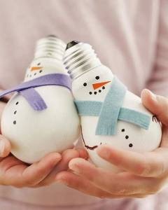 Light-Bulb-Snowmen