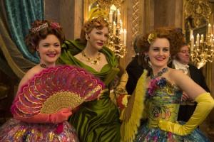 Mačeha (pa dvakratna oskarjevka Cate Blanchett) in Pepelkini polsestri