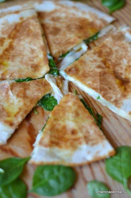 лепёшка с сыром и зеленью
