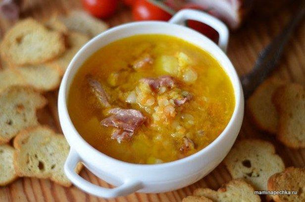 Суп из копчёных свиных рёбер и чечевицы