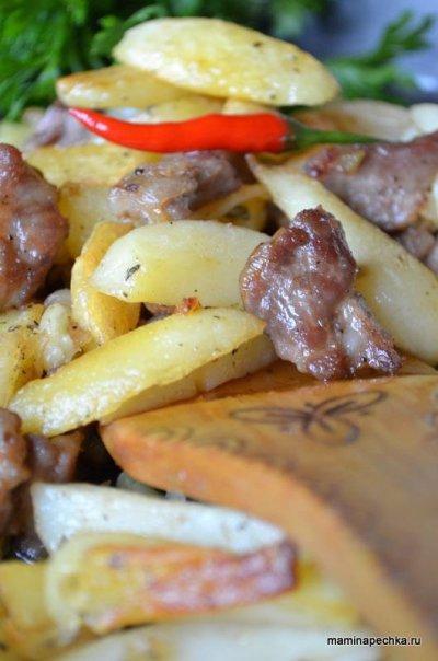 Поджарка из свинины с картофелем
