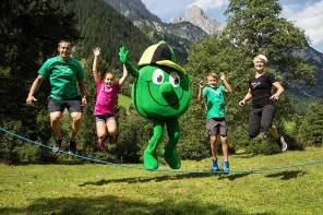 Outdoor Bewegungsspiele mit TIROLI & Slalom-Weltmeister Manni Pranger