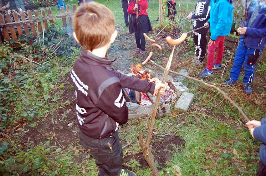 Herbst mit Kindern: Spielen und sammeln im Zauberwald