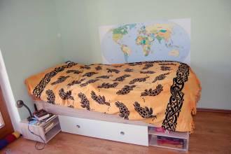 Dekoration im Kinderzimmer mit Wandaufkleber: Schritt-für-Schritt-Anleitung