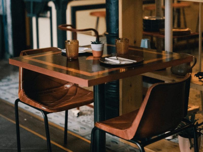 Het laatste tafeltje
