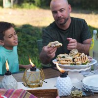 How to Plan an Easy Outdoor Dinner without Interruptions