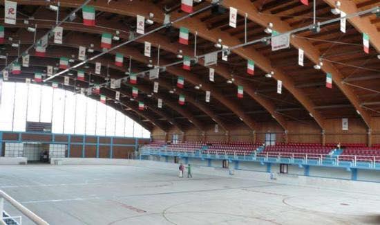 Piste-di-pattinaggio-su-ghiaccio-Natale-2019-in-Abruzzo-Palaghiaccio-2019-Roccaraso-LAquila-1