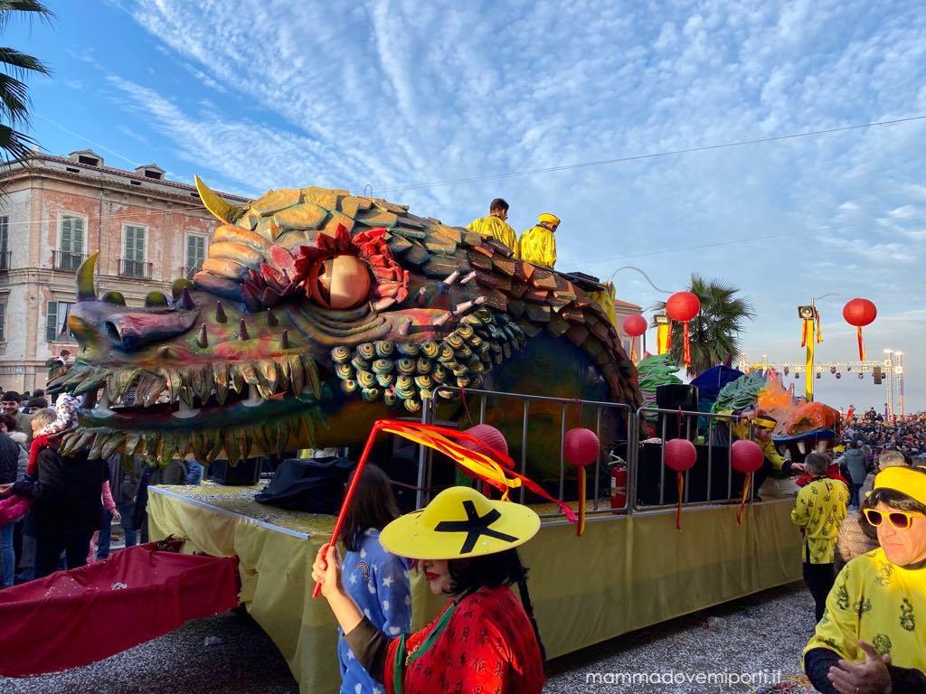 Carnevale Giuliese carro I Draghi
