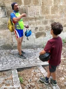 Chiesa San Pietro ad Oratorium visitata durante l'escursione in e-bike con Il Bosso