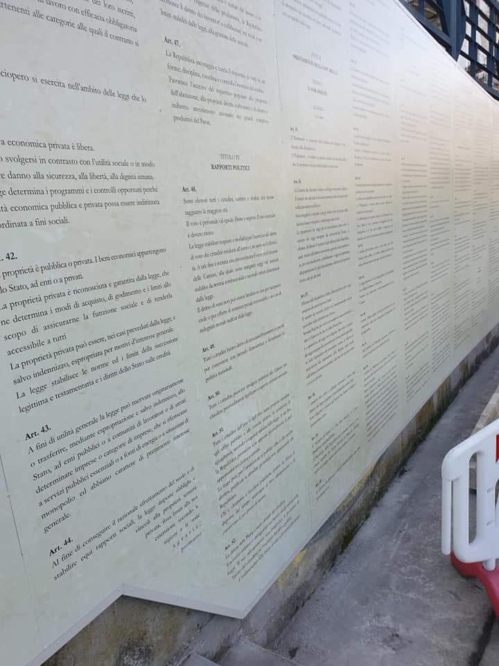 Castiglione Messer Raimondo video promozionale e Costituzione italiana in un murale