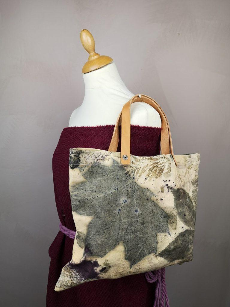 Regali di Natale 2020: idee regalo di Sogni di Cinzia, borsa in cotone stampato con foglie