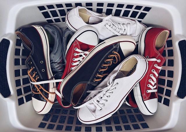 Lavare le scarpe da ginnastica: ecco come fare