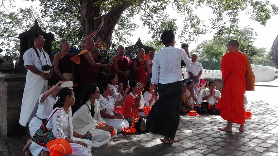 monaci buddhisti al tempio di Dambulla