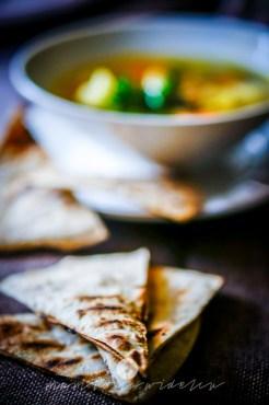 na widelcu zupa ciecierzyca jarmuż 6908