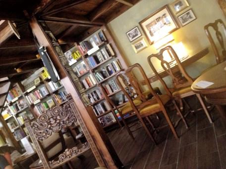 kawiarnia kornel i przyjaciele atykwariat księgarnia17