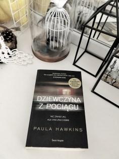 """""""Dziewczyna z pociągu"""" Paula Hawkins"""