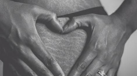 Comment estomper les vergetures après la grossesse