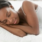 Bien dormir enceinte : 9 conseils mois après mois