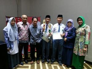 M2M Juara Olimpiade Sejarah Sulawesi Selatan 2016
