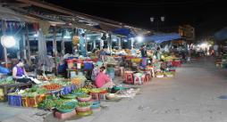 ホイアンの市場。店じまい。