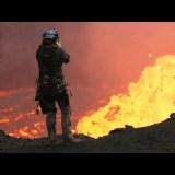 ドローンで撮影した火山火口ギリギリ映像がどう見てもCG