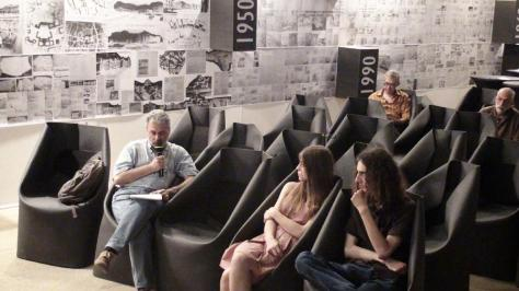 12 _ husa scaun