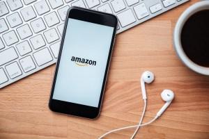 Amazon eCommerce vs retail