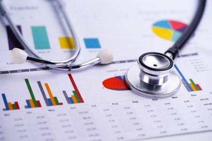 stethoscope-tableaux-graphiques-tableur-finance-compte-statistiques-investissement-tableur-analytique-donnees-recherche-analytique-concept