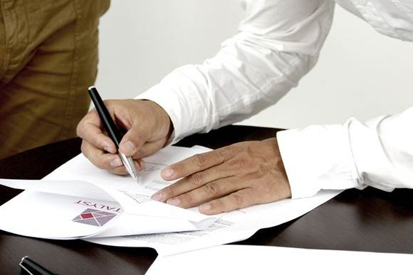 contoh kontrak pembelian barang