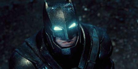 Batman-V-Superman-Armored-Batsuit-Costume-Comic-Con