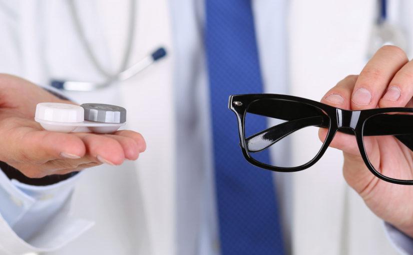 Kāpēc lēcas ir labākas par brillēm?