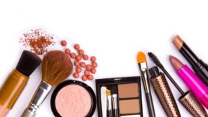 make-up_powder_beauty_feminine_lipstick_2560x1440_hd-wallpaper-1742926-300x169