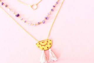 DIY collier : comment créer un collier 3 rangs pour le printemps ! graphic