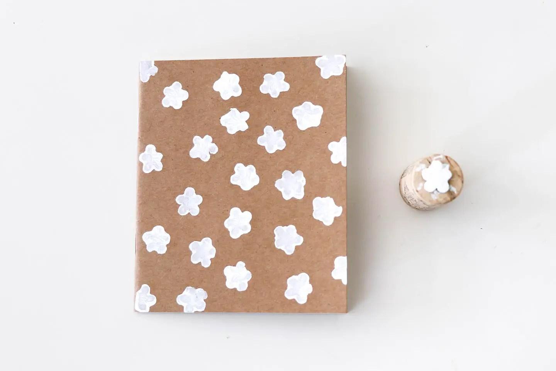 Tampon fleur carnet