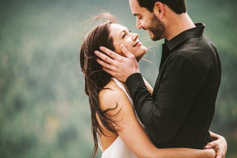 Erkekler için ipuçları: Kızı nasıl sakinleştirebilir ve rahatlatabilirsiniz?