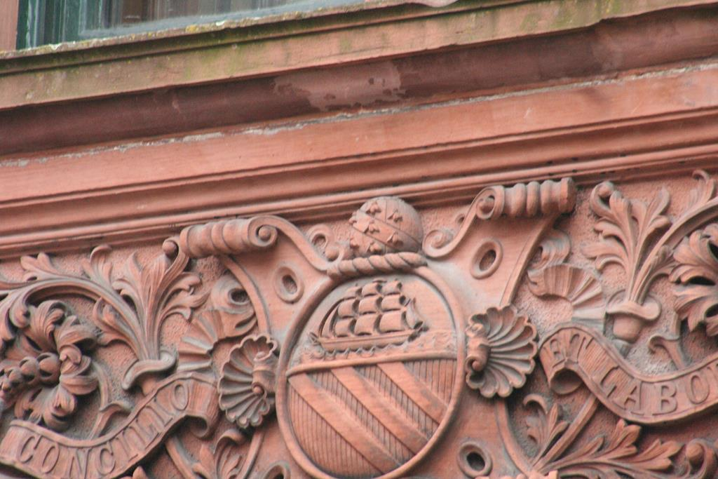 Coat of Arms Bees - Manchester City Council 16