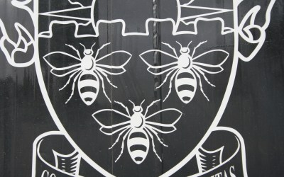 UPDATED: Coat of Arms Bees – University of Manchester