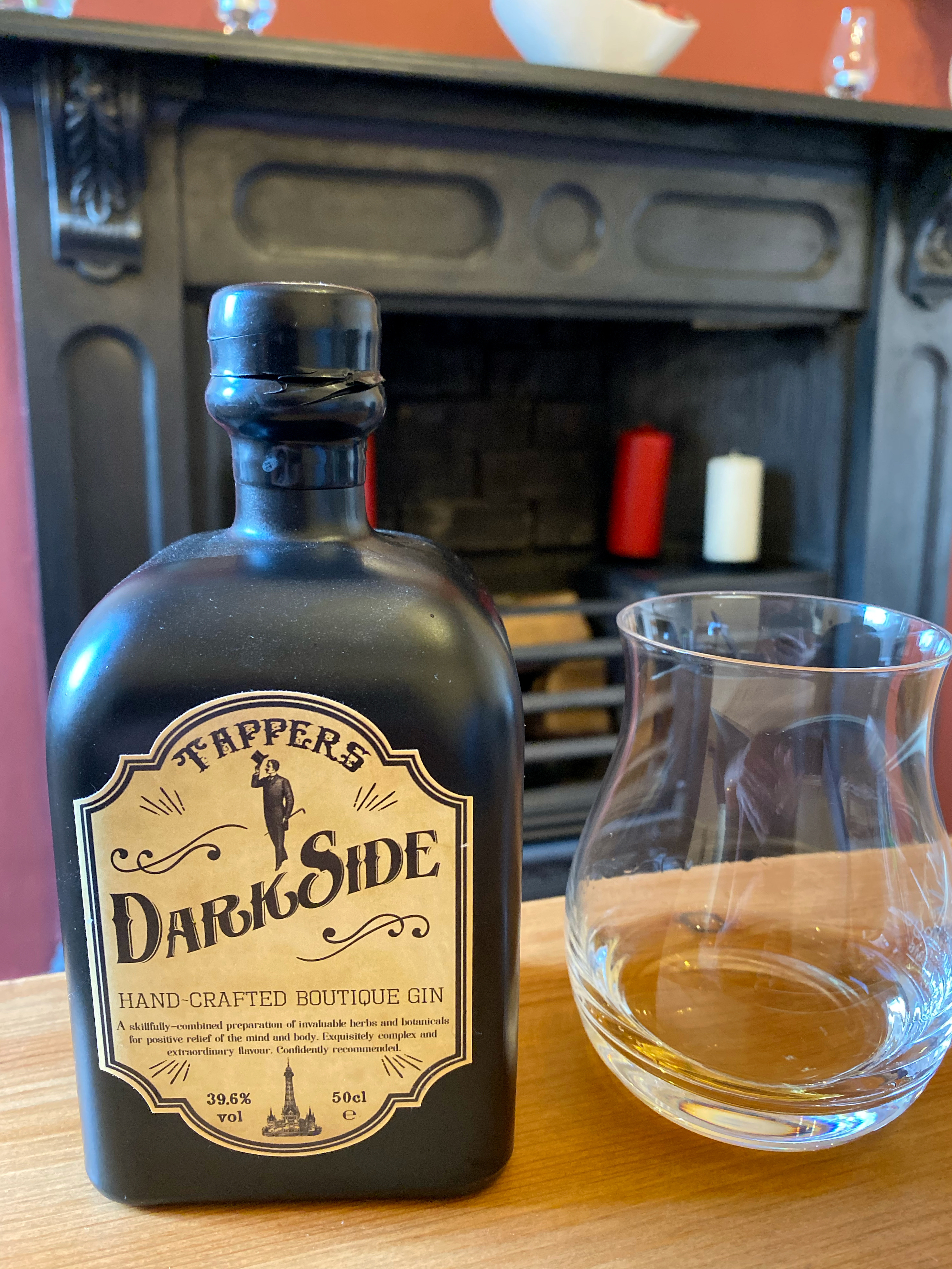 Gin of the Month – Tappers Darkside Gin