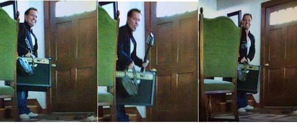 Do you recognize this burglar?