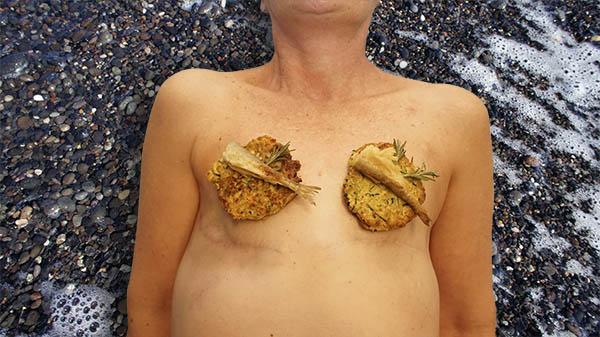Self-portrait of the author, Santorini smelt pancakes.