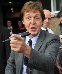 Paul Mc Cartney è mancino ma è davvero lui?
