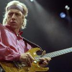 Mark Knopfler chitarrista dei Dire Straits è mancino