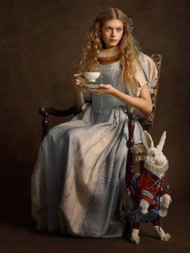 Alice in Wonderland Elizabethan